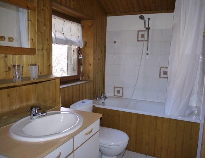 petite baignoire dangle 90x90 salle de bain avec baignoire dangle solutions pour la. Black Bedroom Furniture Sets. Home Design Ideas
